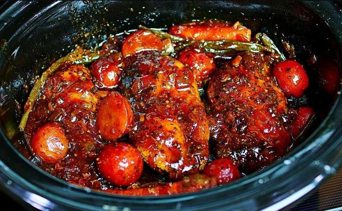 Slow Cooker Honey Garlic Chicken and Veggies Recipe as seen on SlowCookerSociety.com
